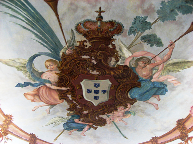 University of Coimbra, ceiling painting, Portuguese coat of arms (1)