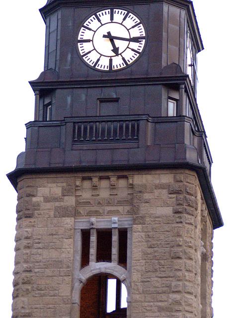 Clock at Hamburg centralstation