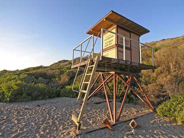 San Onofre Lifeguard Stand at Trail 1 (7103)