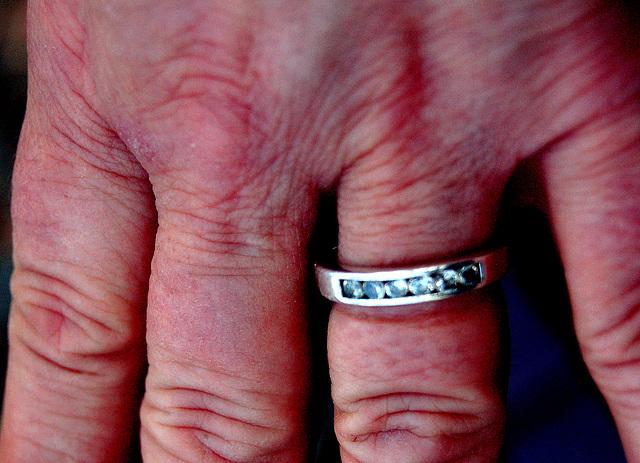Briliantoj estas por ĉiam - Diamonds are forever