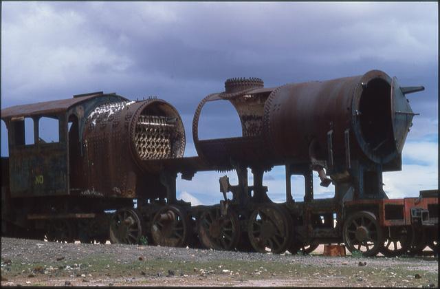 uyuni 10 -cementerio de trenes