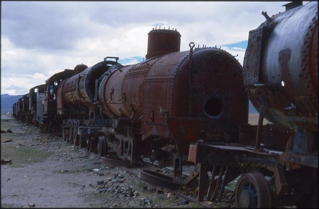 uyuni 08 -cementerio de trenes