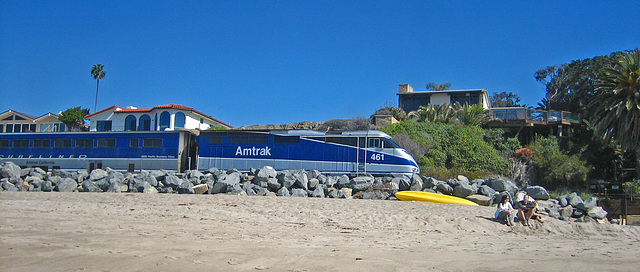 Amtrak On San Clemente Beach (9193)