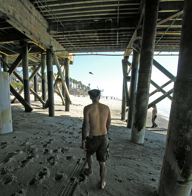 Ky Under San Clemente Pier (7023)