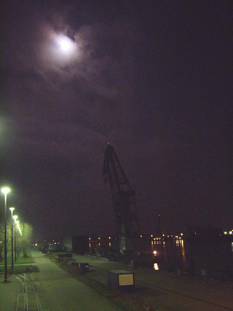 Hafen bei Mondschein