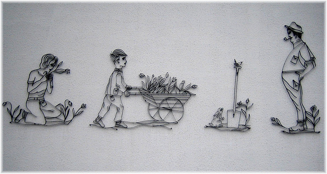 Wandverzierung im Vereinshaus der Gartenkolonie (auch gross )