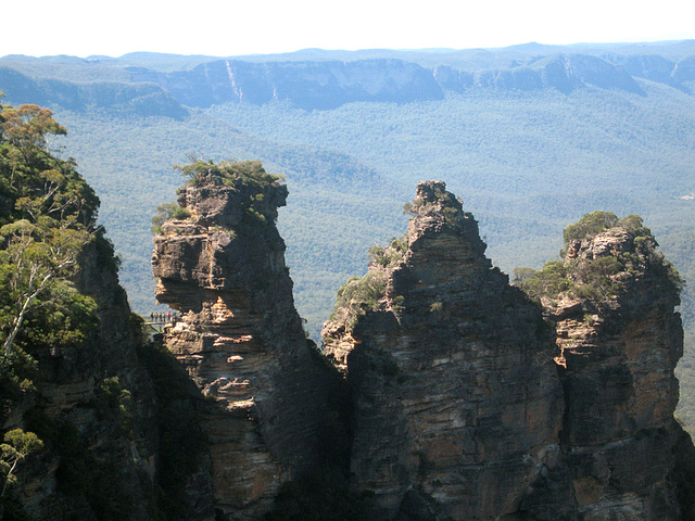 Echo Point ... across to the Kedumba (?)