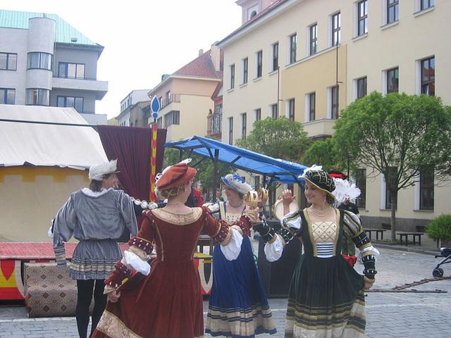 Renesanca dancpektaklo dum Urba festo en Písek