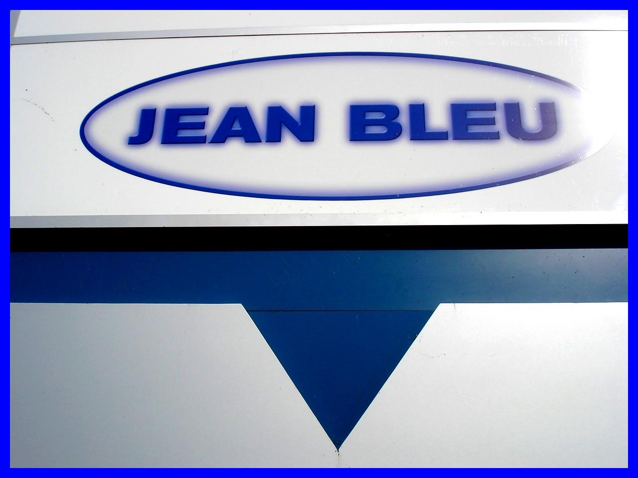 Jeans Bleu / Blue jeans - Dans ma ville  / Hometown - 12 octobre 2008.