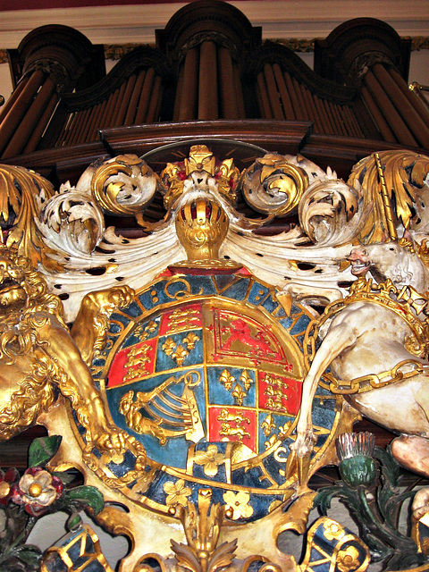 Crest and organ