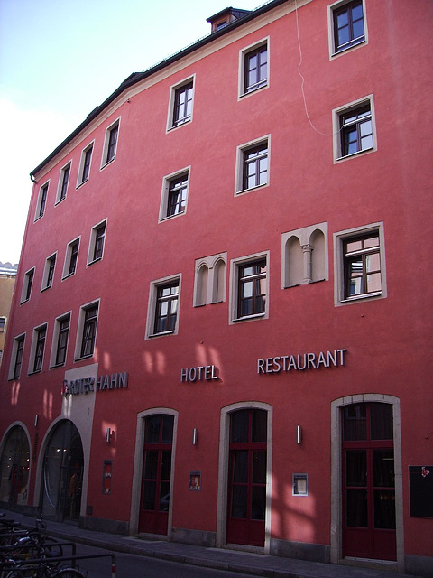 rotes Hotel