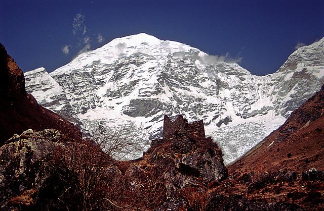 Chomolhari peak (7314 m?)