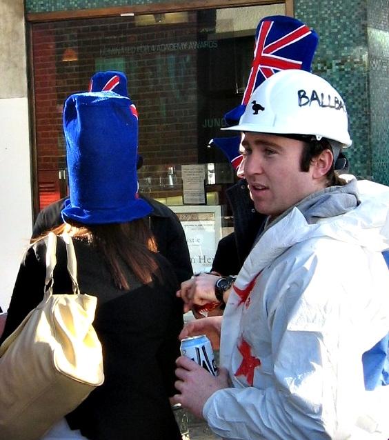 Kiwis in hats