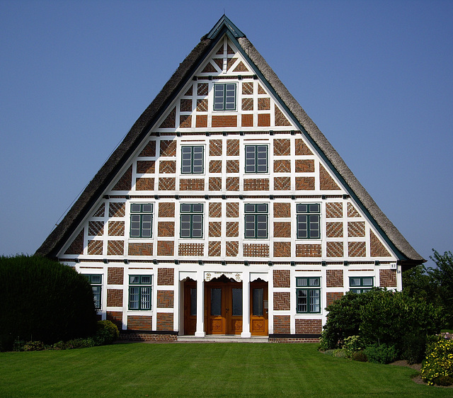 Fachwerkhaus ( bitte  in Gross ansehen )  /  half timbered house (see best in large )