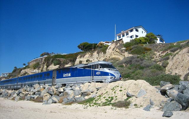 Amtrak On San Clemente Beach (9198)