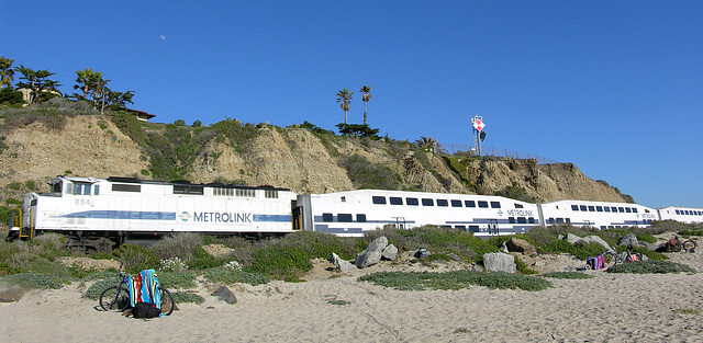 Metrolink Along San Clemente Beach (7085)
