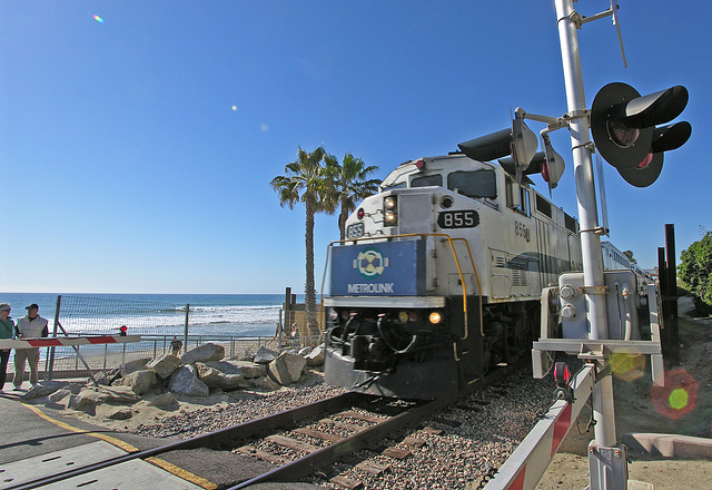 Metrolink Train at San Clemente (7071)