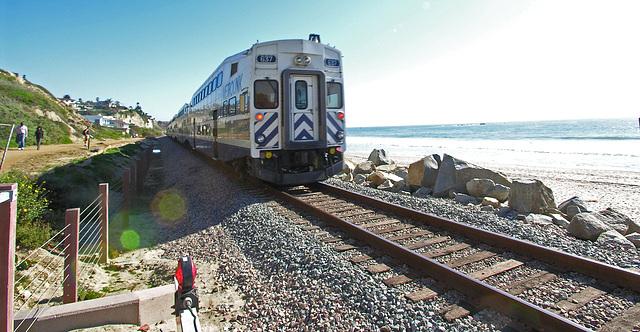 Metrolink Train at San Clemente (7072)