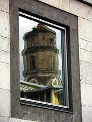 wackliger Turm