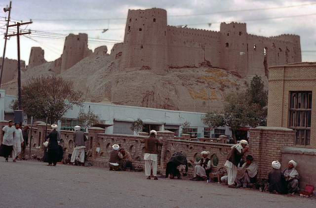 Hairdressers in front of the ancient citadel