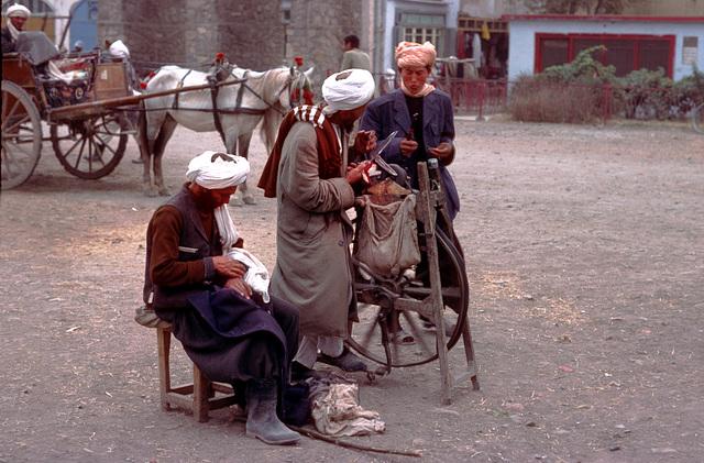 Scissors grinder in Herat