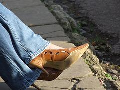 Rachel in jeans and high heels shoes / Rachel en jeans et talons hauts - With permission
