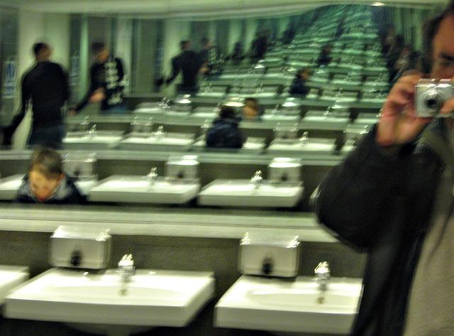 Endless washroom
