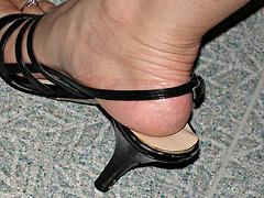 heel in nine west heels