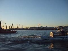 ship spotting @ the Elbphilharmonie in Hamburg / DSCF1525