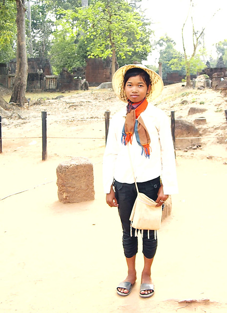 jeune Cambodgienne .Young Cambodian girl!