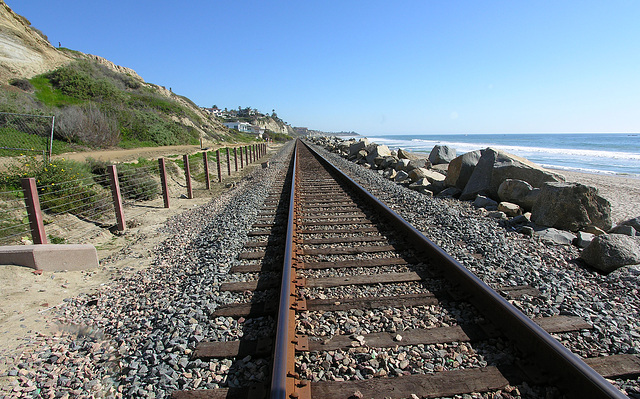 Railroad Along San Clemente Beach (7069)