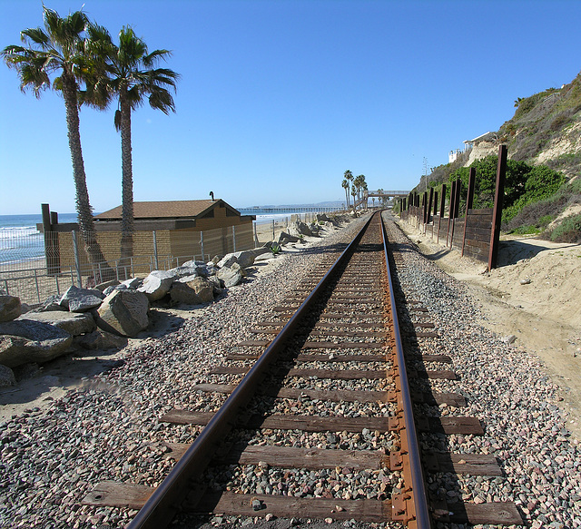 Railroad Along San Clemente Beach (7070)