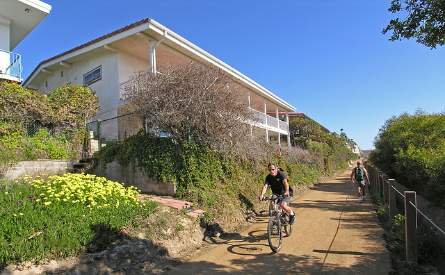 Bike Path Along San Clemente Beach (7073)