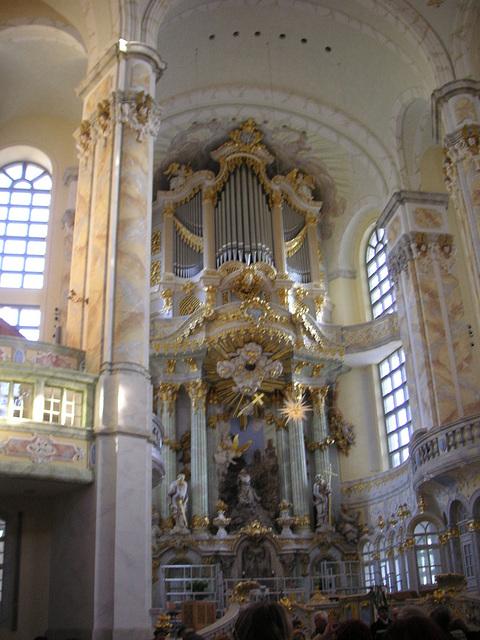 Altarraum der Frauenkirche