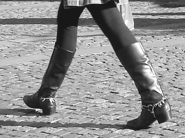 Bankomat Lady in mini denim skirt and Dominatrix SS boots style - Ängelholm / Sweden-  October 23th 2008 - B & W