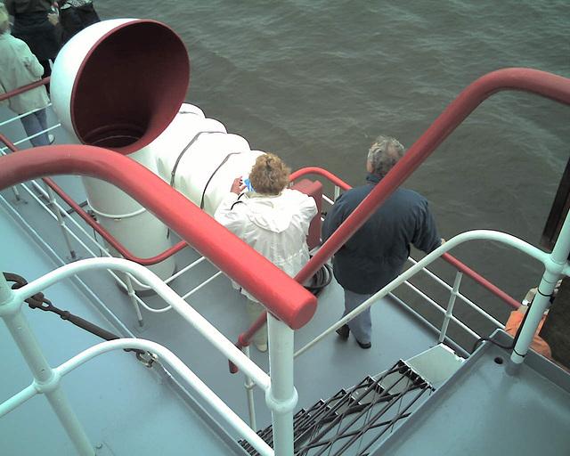 Auf dem Raddampfer FREYA beim Hamburger Hafengeburtstag / 070513 164311
