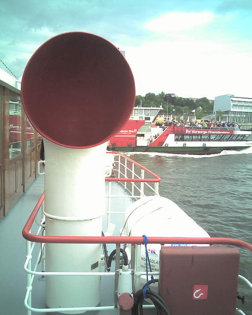Auf dem Raddampfer FREYA beim Hamburger Hafengeburtstag / 070513 152008
