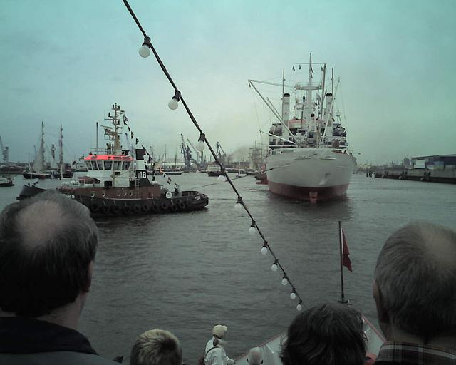 Auf dem Raddampfer FREYA beim Hamburger Hafengeburtstag / 070513 172504
