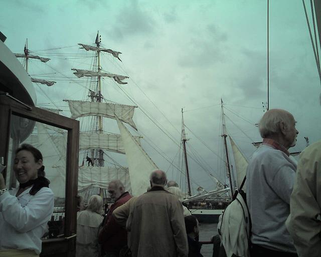 Auf dem Raddampfer FREYA beim Hamburger Hafengeburtstag / 070513 173558