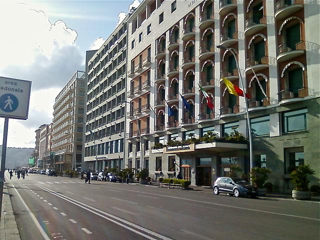 Via Partenope  (Napoli)