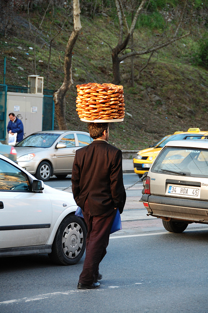Simit in the Rush Hour