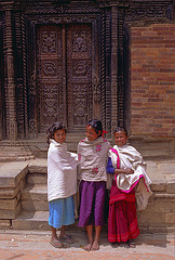 Three loveley Newa girls in Bhaktapur