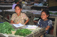 Young vegetable vendors in Xam Neua