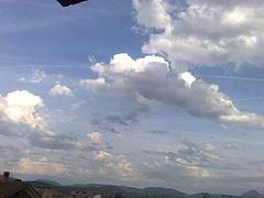 Nubes 1 en el valle de Aranguren
