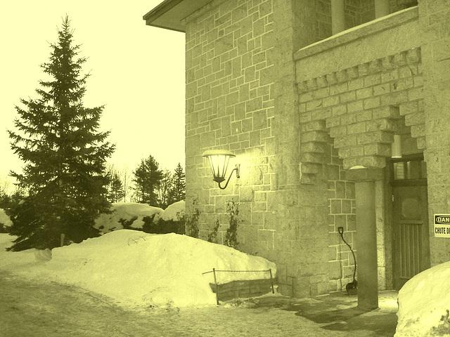Abbaye St-Benoit-du-lac  /   St-Benoit-du-lac  Abbey -  Quebec, CANADA  -  February  6-7-8 février 2009- Vintage artwork  /  À l'ancienne