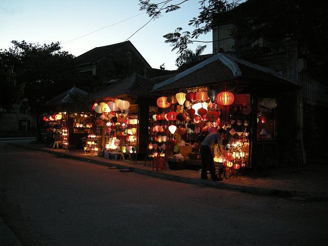 abendlicher Lampenverkauf