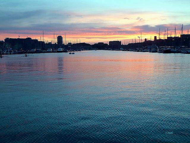Coucher de soleil sur le Vieux Port !