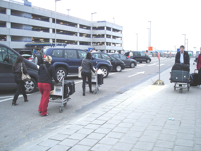 Wegebo trio -  Aéroport de Bruxelles / 19-10-2008