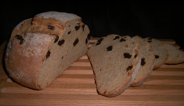 Rozijnen-hazelnootbrood 2
