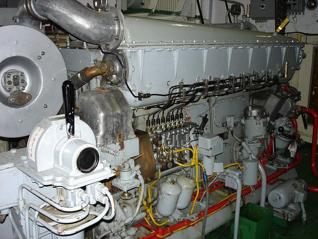 Maschine auf Elbe 1